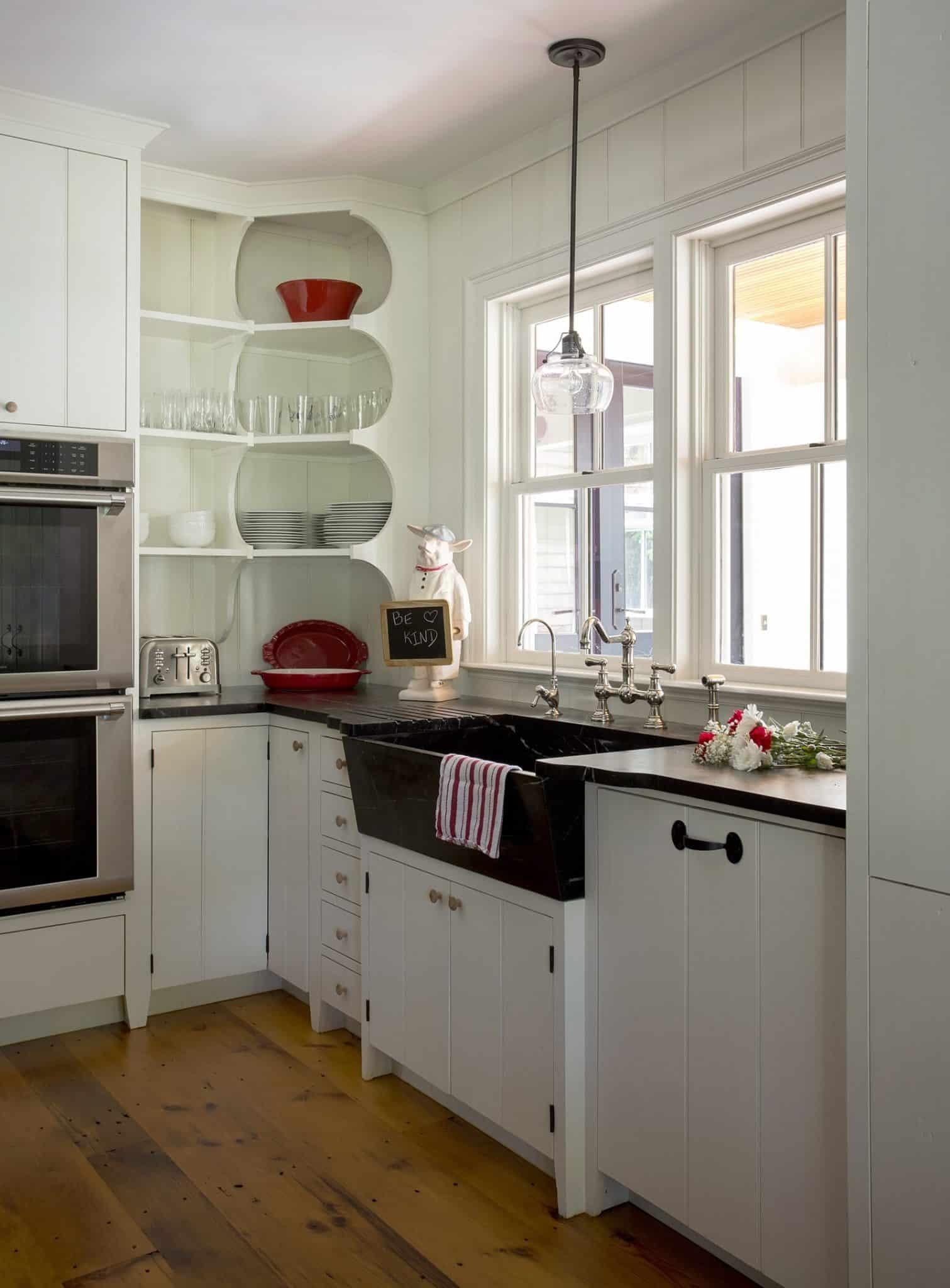 Lynnfield MA Farmhouse Kitchen